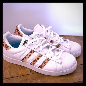 Leopard Adidas Superstar Tennis Shoes